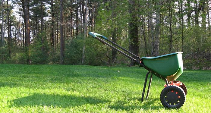 Lawn Fertilizing Services Fraser Valley & Lower Mainland BC.